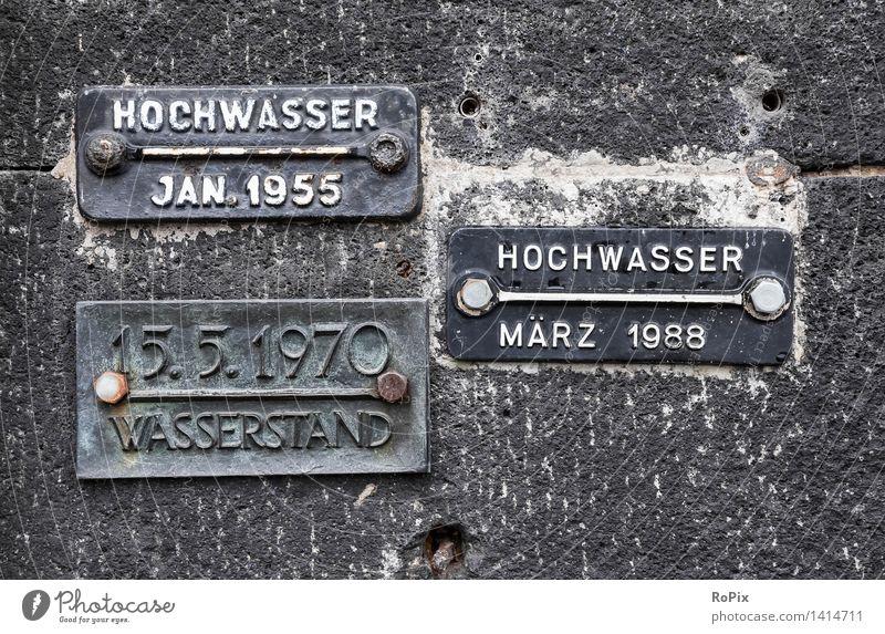 flood Wasser Umwelt Wand Architektur Gebäude Mauer Stein Fassade Metall Schilder & Markierungen Schriftzeichen Technik & Technologie Klima Beton Hinweisschild Brücke