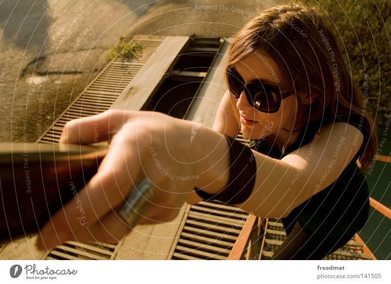 galant Frau schön grün Sommer Gesicht Stil Haare & Frisuren Kopf Wärme braun blond klein groß Treppe Coolness Kleid