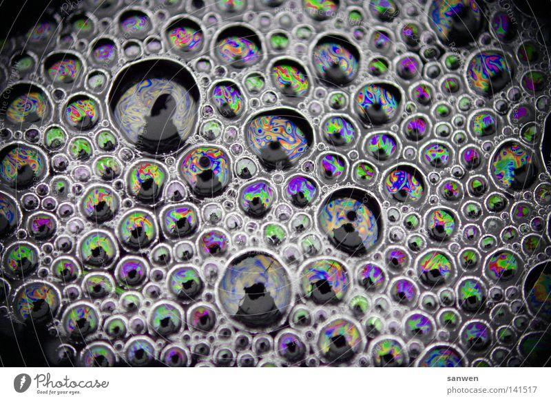 molekulare verbindung Farbe Wasser Sonne Farbstoff Luft Schönes Wetter berühren Zusammenhalt Verbindung Blase blasen Seifenblase Schaum Farbenspiel Luftblase