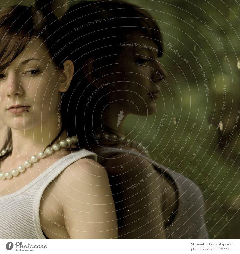 ... but that's another story Farbfoto Außenaufnahme Textfreiraum rechts Silhouette Reflexion & Spiegelung Porträt Wegsehen Lifestyle elegant schön