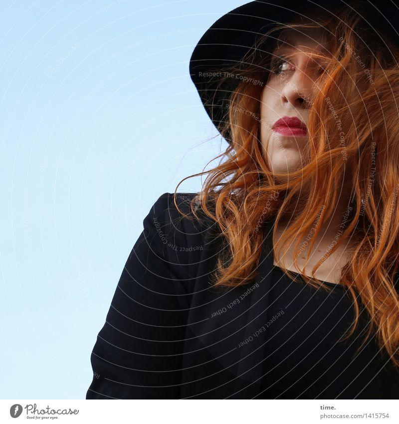 . Mensch schön ruhig Leben feminin Denken warten beobachten Schönes Wetter Neugier T-Shirt Gelassenheit entdecken Konzentration Wachsamkeit Hut