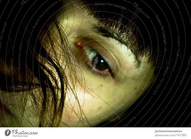 Frau Gesicht Auge Einsamkeit Haare & Frisuren Traurigkeit Haut Trauer Behaarung Wut Leder Ärger Augenbraue verlieren Leberfleck Pupille