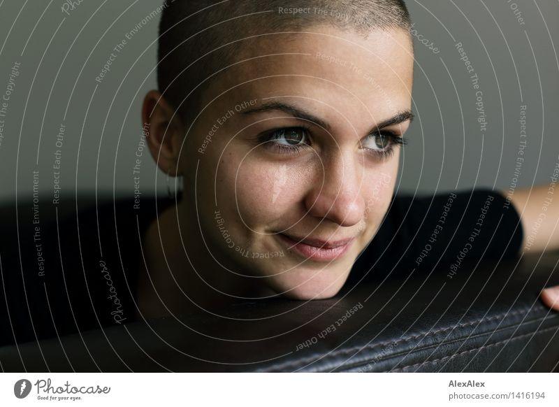 Klarheit Jugendliche schön Junge Frau Freude 18-30 Jahre Gesicht Erwachsene feminin Glück außergewöhnlich glänzend Zufriedenheit frei ästhetisch Lächeln