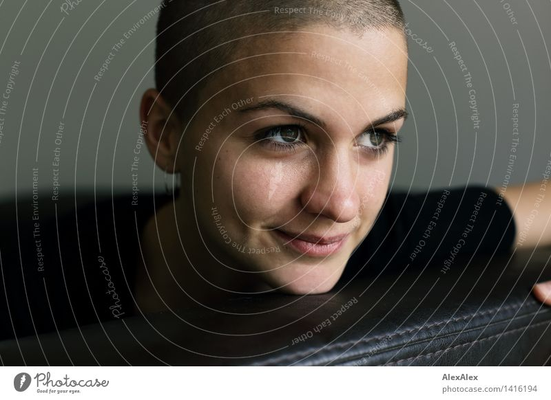 Klarheit Jugendliche schön Junge Frau Freude 18-30 Jahre Gesicht Erwachsene feminin Glück außergewöhnlich glänzend Zufriedenheit frei ästhetisch Lächeln beobachten
