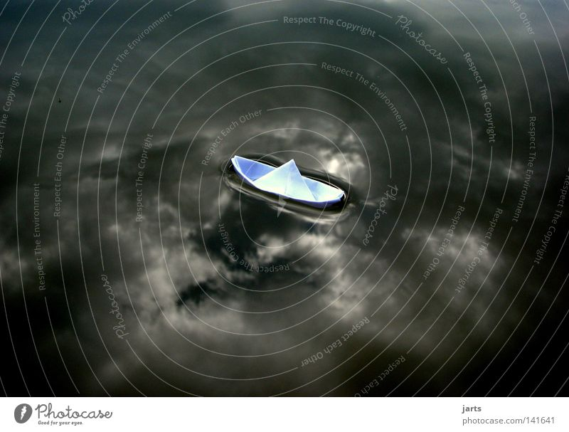 ... Ruhe vor dem Sturm.... Wasser Himmel Ferien & Urlaub & Reisen ruhig Wolken See Regen Wasserfahrzeug Kraft Angst Wetter Kraft Ausflug Sturm Panik schlechtes Wetter