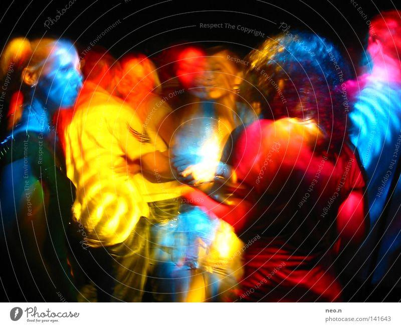 Partylichter Freude Lampe Nachtleben Musik Club Disco ausgehen Feste & Feiern clubbing Tanzen Mensch Menschengruppe blau gelb rot Farbe Farbfoto mehrfarbig
