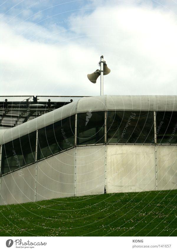 achtung achtung Wiese Fenster Gebäude Metall Metallwaren Grafik u. Illustration Schnur Konzentration München Hütte Teilung Warnhinweis Lautsprecher Geometrie