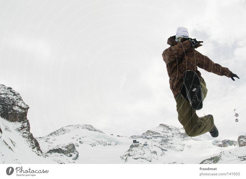 Sommerspass Winter Schweiz weiß springen Snowboarder kalt frisch Wintersport Skifahrer Gletscher Kick Mann Jugendliche sprunghaft Aktion hüpfen Freude