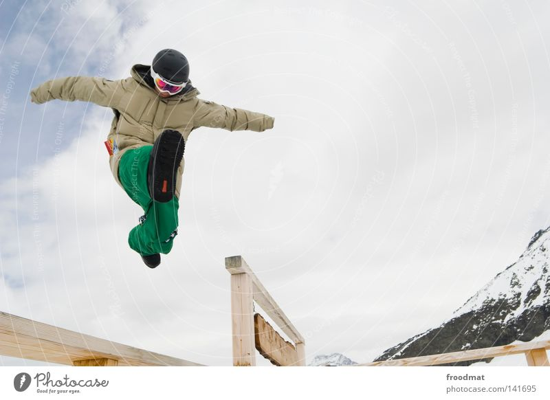 Berghupfe Winter Schweiz weiß springen Snowboarder kalt frisch Wintersport Skifahrer Gletscher Kick Mann Jugendliche sprunghaft Aktion hüpfen Freude