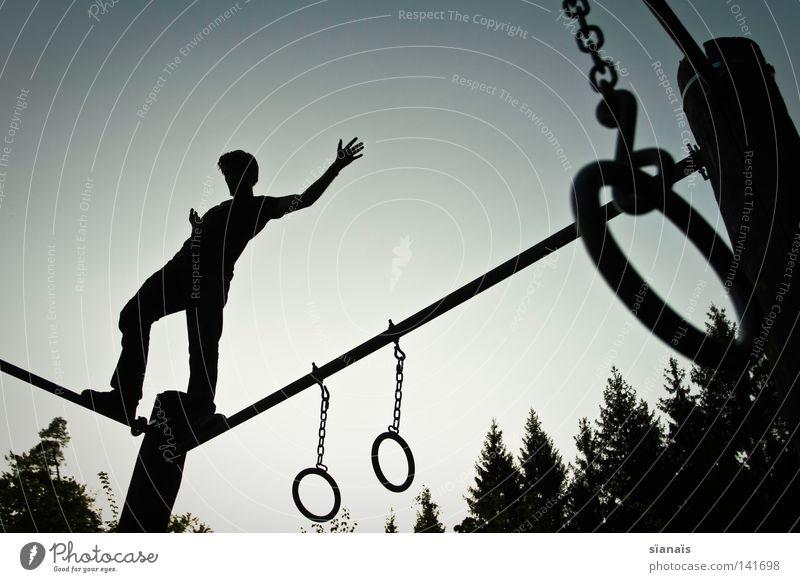 verlobungsringe Abend Schatten Silhouette Gegenlicht Freude Glück Körper Zufriedenheit Freiheit Sport Leichtathletik Mann Erwachsene Jugendliche Rücken Hand