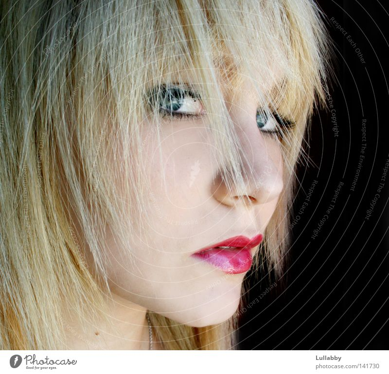 Kiss me Frau blau Gesicht Auge Haare & Frisuren Mund blond Nase Lippen