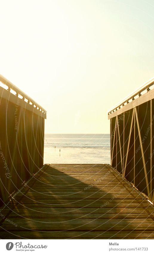 Brücke ins Nichts Erholung ruhig Ferien & Urlaub & Reisen Sonne Strand Meer Küste Nordsee Wege & Pfade Ende Pause Perspektive Stimmung Steg Farbfoto
