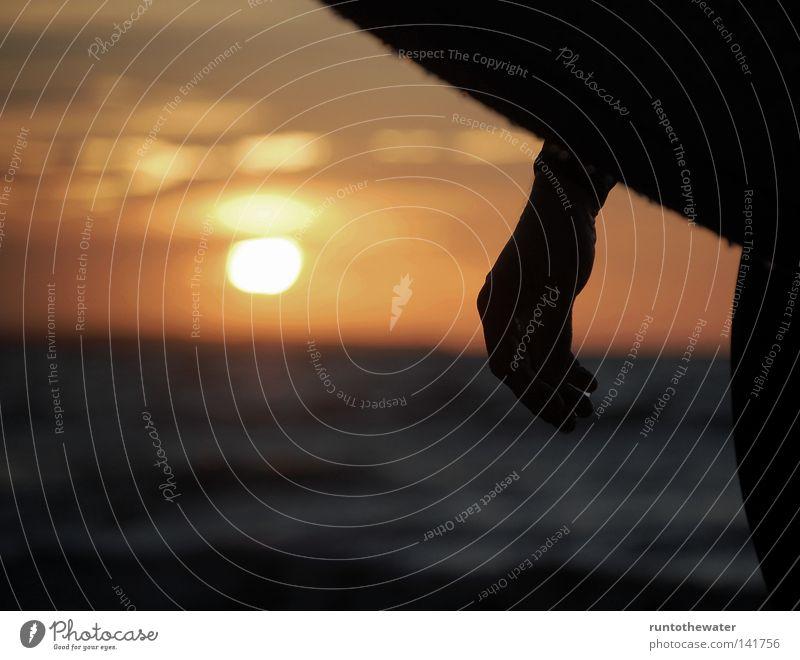Feierabend! Meer Strand Erholung Küste Sand Wellen Wind Ostsee Abenddämmerung Holzbrett Surfer Kiel Longboard