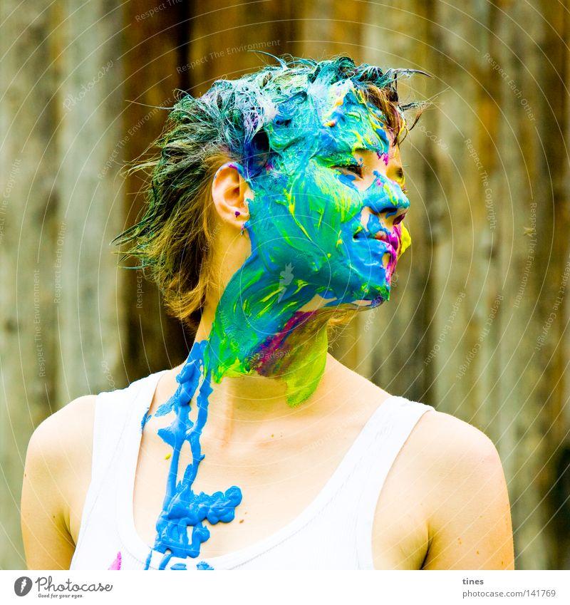Action Painting! Frau Mensch grün blau Gesicht gelb Farbe Aktion Holz Haare & Frisuren Graffiti Kunst Ohr Tiergesicht Spuren streichen