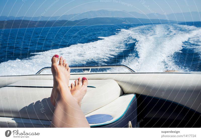 … und Tschüss! Ferien & Urlaub & Reisen Sommer Sonne Meer Erholung Freude Ferne Strand Erwachsene Leben Glück Beine Freiheit Fuß Horizont Zufriedenheit