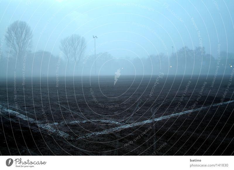 Sleeping Fever Spielen Deutschland Nebel Fußball Fußballplatz Ballsport Kreis Neuss