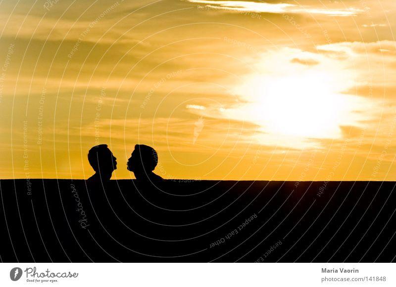 True Romance Himmel Mann Liebe Gefühle Glück Paar Zusammensein paarweise Wunsch Romantik Vertrauen Küssen Leidenschaft Verliebtheit Liebespaar Partnerschaft