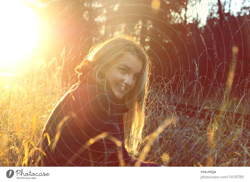 Herbstgefühle Mensch feminin Jugendliche Erwachsene Leben 1 18-30 Jahre Umwelt Natur Sonne Sonnenfinsternis Sonnenaufgang Sonnenuntergang Sonnenlicht