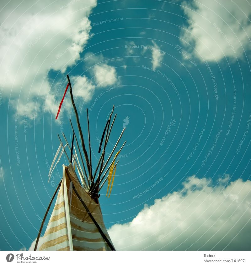 wohnst du noch oder lebst du schon? Natur Himmel Haus Wolken Holz Fahne Kultur Häusliches Leben Stoff Wildtier Camping Stab Steppe Zelt Abdeckung