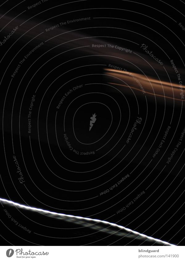 Back In Black schwarz dunkel Bewegung Linie Wellen leer trist Vergänglichkeit Dynamik Langeweile dumm wenige Belichtung Frustration Erkenntnis sehr wenige