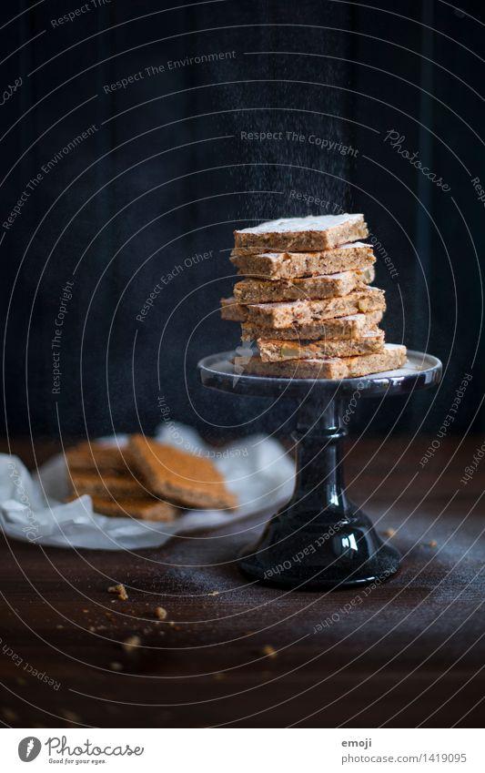 leise rieselt ... Kuchen Dessert Süßwaren blechkuchen Ernährung Fingerfood dunkel lecker süß Puderzucker Winter Farbfoto Innenaufnahme Studioaufnahme