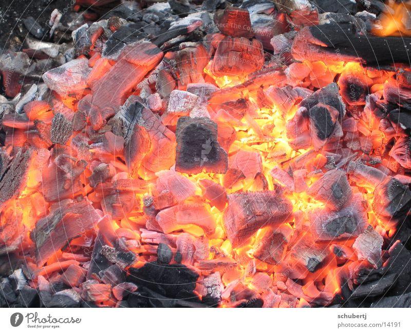 Grillspass Grillen Glut Physik heiß Brand Wärme