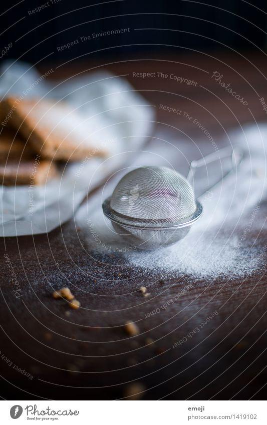 Puderzucker Dessert Süßwaren Zucker kochen & garen Ernährung dunkel süß Manuelles Küchengerät Farbfoto Innenaufnahme Nahaufnahme Detailaufnahme Menschenleer