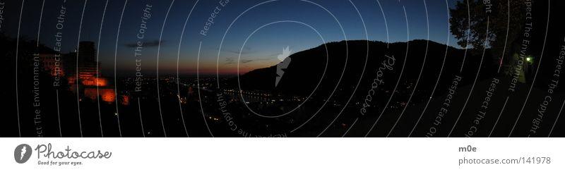 Heidelberg bei Nacht Stadt groß Burg oder Schloss Panorama (Bildformat)