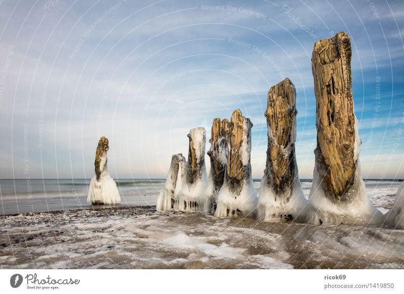 Winter an der Ostseeküste Erholung Ferien & Urlaub & Reisen Strand Meer Natur Landschaft Wasser Wolken Küste Holz kalt blau weiß Romantik Idylle Tourismus Buhne
