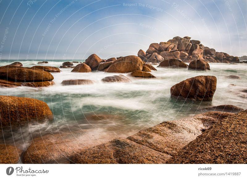 Atlantikküste in der Bretagne Erholung Ferien & Urlaub & Reisen Natur Landschaft Wolken Felsen Küste Meer Sehenswürdigkeit Stein Tourismus Ploumanac'h