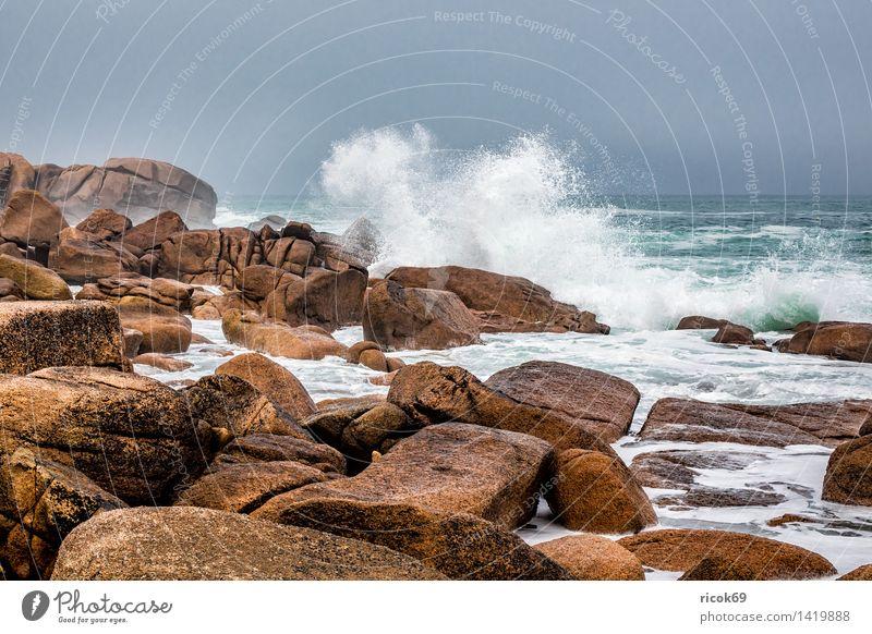 Atlantikküste in der Bretagne Natur Ferien & Urlaub & Reisen Erholung Meer Landschaft Küste Stein Felsen Tourismus Wellen Sehenswürdigkeit Frankreich Granit