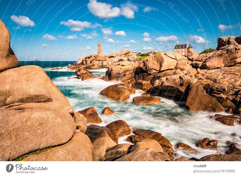 Atlantikküste in der Bretagne Erholung Ferien & Urlaub & Reisen Natur Landschaft Felsen Küste Meer Leuchtturm Sehenswürdigkeit Tourismus Phare de Mean Ruz