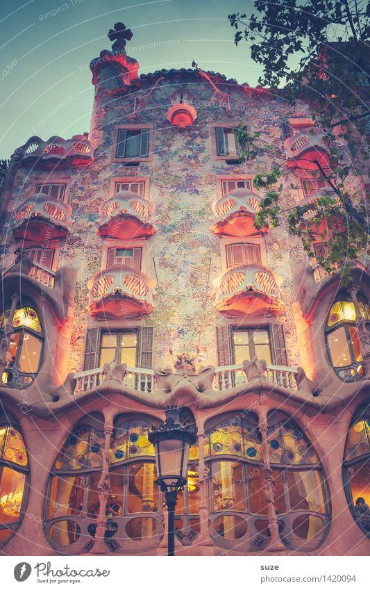 Where the fuck is alice Ferien & Urlaub & Reisen Haus Fenster Architektur Beleuchtung Stil Gebäude Lifestyle Kunst außergewöhnlich Fassade Design Tourismus
