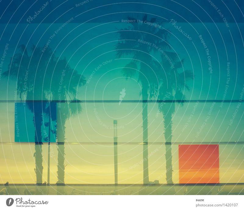 25° im Schatten Ferien & Urlaub & Reisen blau Sommer Stadt Fenster Architektur Gefühle Lifestyle Gebäude Kunst Stimmung Fassade Stadtleben Glas Lebensfreude