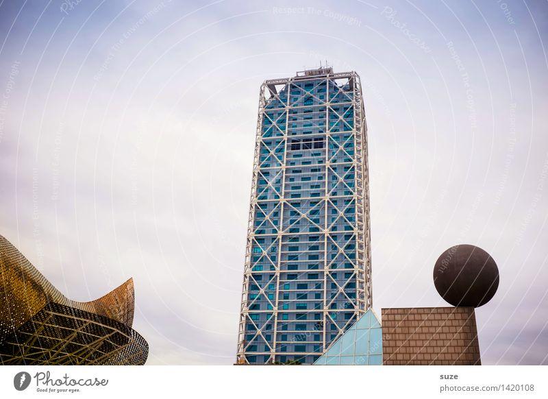 Spielplatz der Großen Himmel Ferien & Urlaub & Reisen Stadt Architektur Gebäude Lifestyle Kunst Business Fassade Arbeit & Erwerbstätigkeit Büro Hochhaus Europa