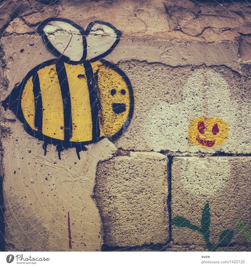 Von Bienen und Blumen alt Blume Tier Freude gelb Wand Graffiti lustig Mauer grau fliegen Fassade Kindheit Kommunizieren Sex Lebensfreude