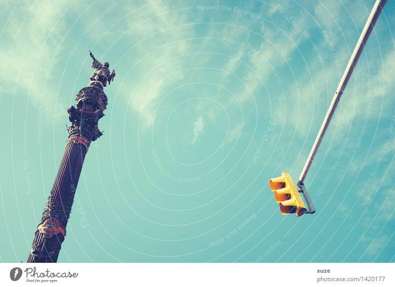 Entdeckermodus Himmel Ferien & Urlaub & Reisen blau Stadt Architektur Kunst Verkehr Aussicht Europa hoch historisch Vergangenheit Richtung Bauwerk entdecken