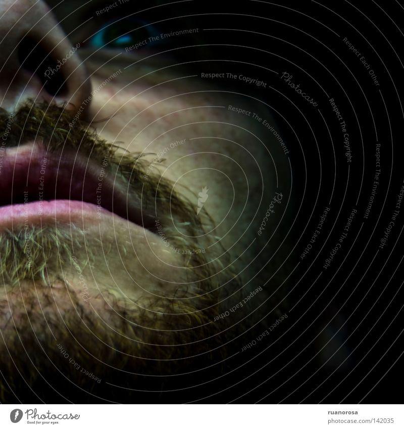 Mann Gesicht Auge Angst Nase Trauer nah Lippen Schrecken Kussmund Oberlippenbart Ausdruck Terror Porträt