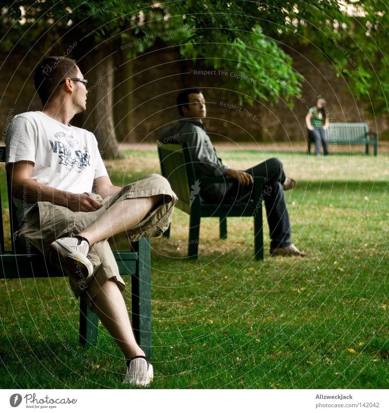 Sitzstreik Park Landkreis Fulda Bank 3 stehen Rasen Wiese grün Pause Erholung drehen Verabredung Treffer Sommer Blick Menschengruppe Kommunizieren warten sitzen