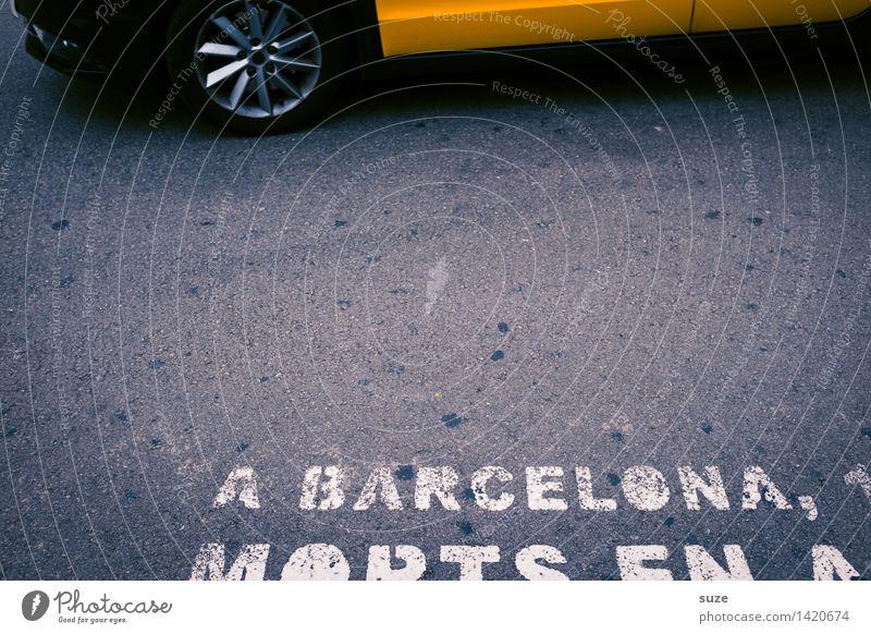 Straßenfoto Stadt gelb Lifestyle Bewegung Business grau Tourismus Verkehr Schilder & Markierungen Geschwindigkeit Sicherheit Asphalt Hauptstadt Stress