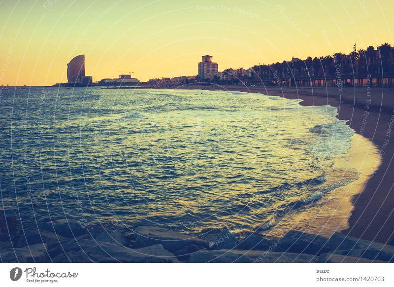 Buenas noches Lifestyle Leben Ferien & Urlaub & Reisen Städtereise Sommerurlaub Strand Meer Himmel Küste Stadt Hauptstadt Hafenstadt Skyline Hochhaus