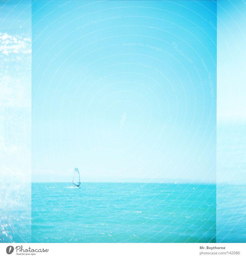Rückenwind Surfen Windsurfing blau türkis hell-blau Schönes Wetter Sonne Sommer Horizont Wasser Meer See Segeln Reflexion & Spiegelung glänzend Himmel