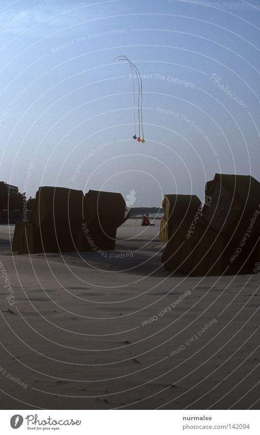 Drachenflieger Himmel Ferien & Urlaub & Reisen Meer Strand Freude Sand Horizont Wind Freizeit & Hobby fliegen hoch Seil Ostsee Momentaufnahme Sonnenbad