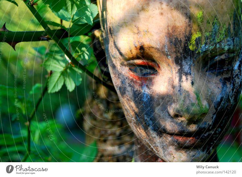 In my garden Maske Gartenkunst Frau Gedanke schön Bildhauer Kunst Kunsthandwerk Shaufenster puppe puppen gesicht figure
