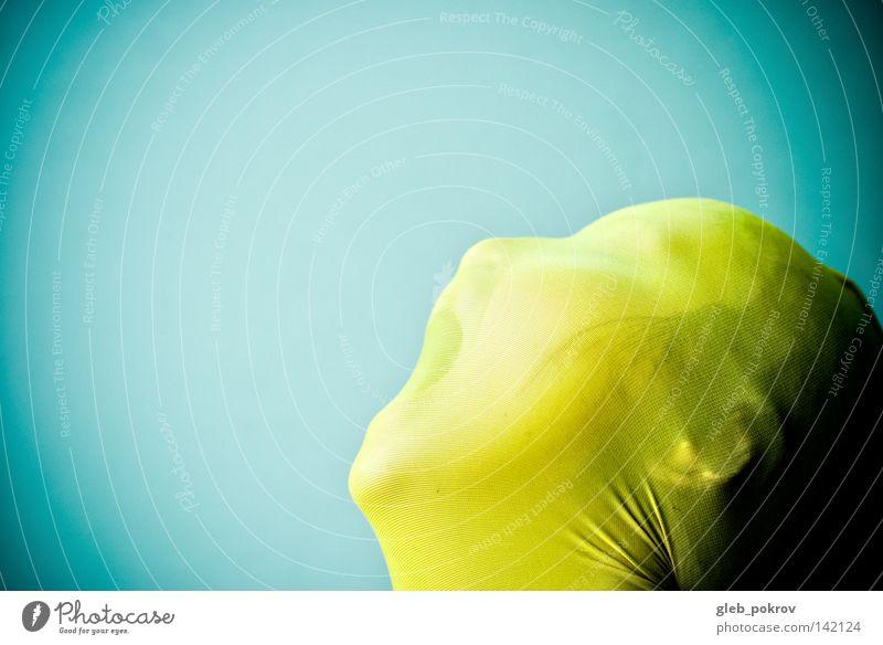 Mensch Einsamkeit Gesicht gelb Wand Gefühle Kunst Angst Mund Nase Bekleidung Müll Brust Strumpfhose Panik Kulisse