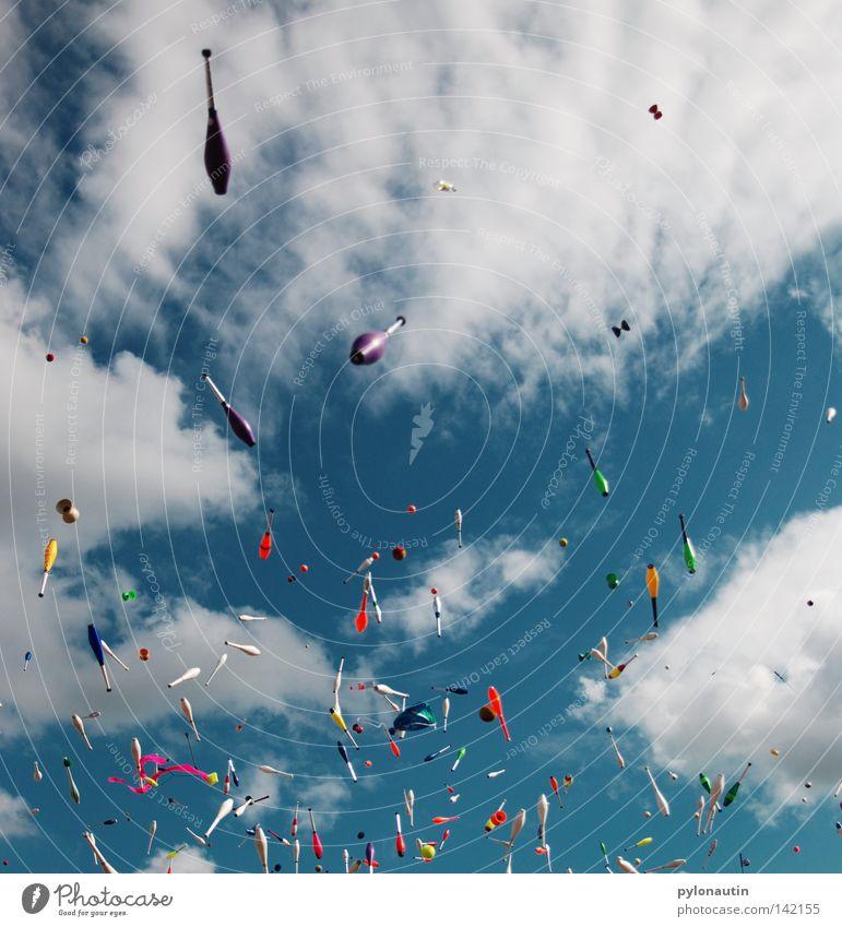 Toss Up 3 Keule jonglieren Wolken Karlsruhe Europa Zirkus Sommer Musikfestival mehrfarbig Akrobatik chaotisch Freizeit & Hobby Albatros Spielen Himmel blau EJC