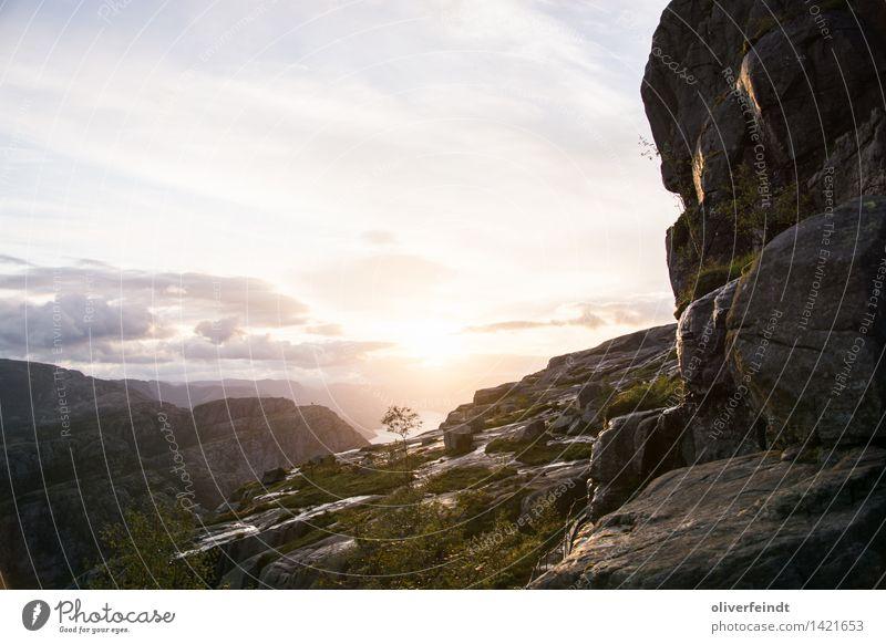 Norwegen IX Himmel Natur Ferien & Urlaub & Reisen schön Sonne Landschaft Wolken Ferne Berge u. Gebirge Umwelt Freiheit hell Felsen Horizont wandern Beginn