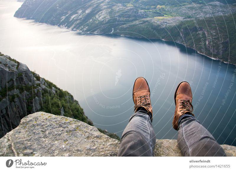 Norwegen XIII - Preikestolen Mensch Natur Ferien & Urlaub & Reisen Erholung Landschaft Ferne Berge u. Gebirge Umwelt Küste Beine Freiheit Fuß Felsen maskulin
