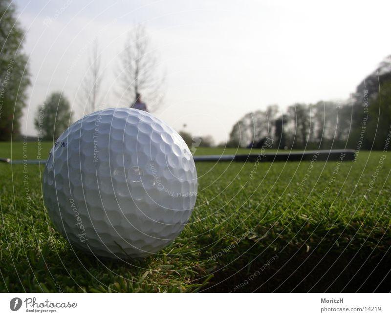 Lochkante Golfball grün Sport Putt Nike Golfplatz