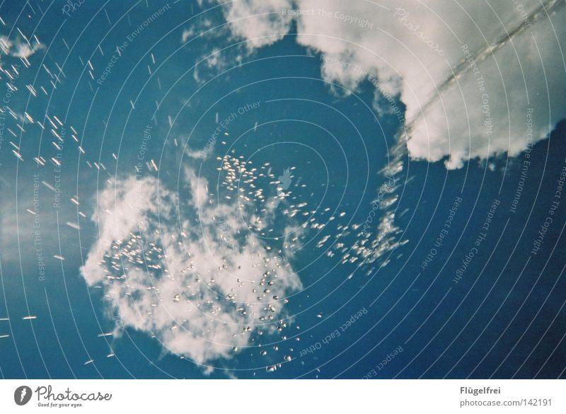 Gleich gibt's ne Dusche! Himmel blau Ferien & Urlaub & Reisen Wasser schön Sommer Meer Freude Wolken kalt Bewegung Freiheit Beleuchtung Regen nass